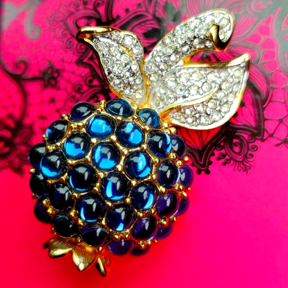 Swarovski pineapple brooch